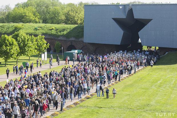 «Бессмертный полк» шагает по земле Беларуси.